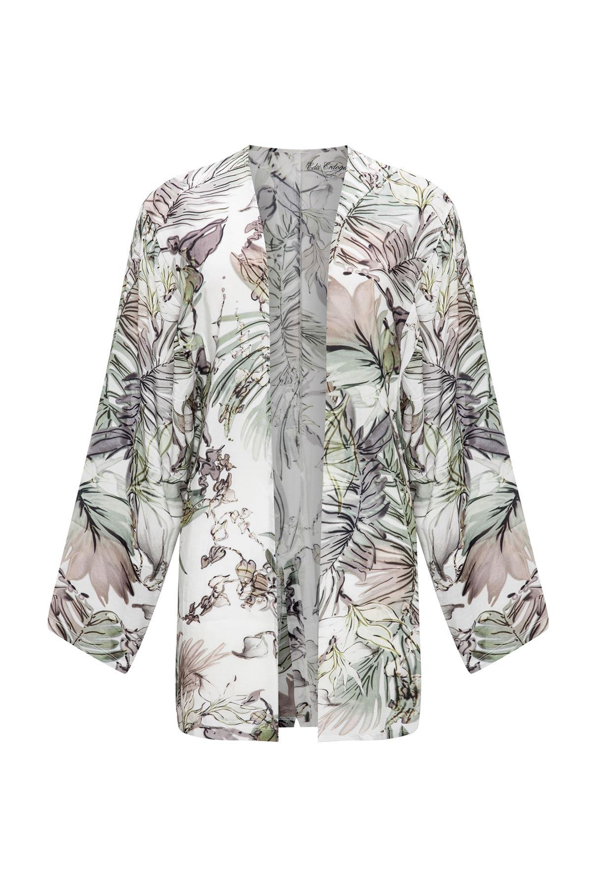 Beyaz Üzeri Çiçekli Kısa Kimono